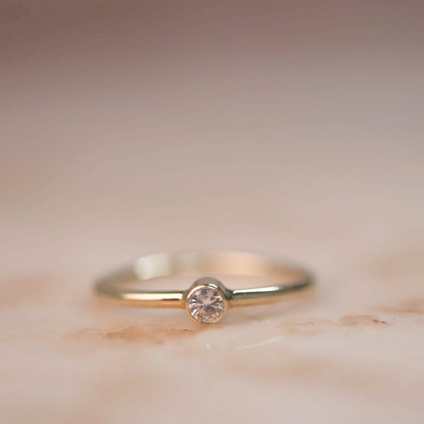 14k Gold Soliaire Ring with Moissanite or Diamond