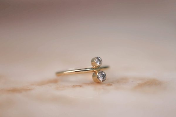 14k gold North South ring with Moissanite 3