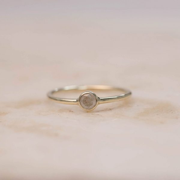 Solitaire Ring Rustic Ice Diamond - 14k Gold