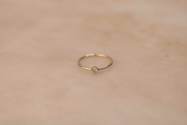 Solitaire Ring with Moissanite - 14k Gold (1)