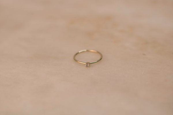 Solitaire-Claw-Ring-14k-Gold-with-Moissanite-or-Diamond-1