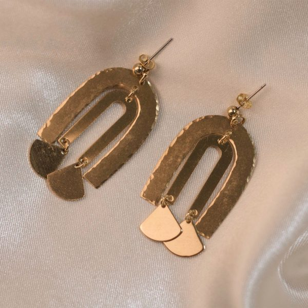 Dangle Earrings on Silk - Brass.