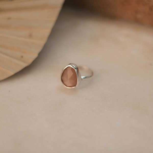 Peach Moonstone Ring - Silver 2