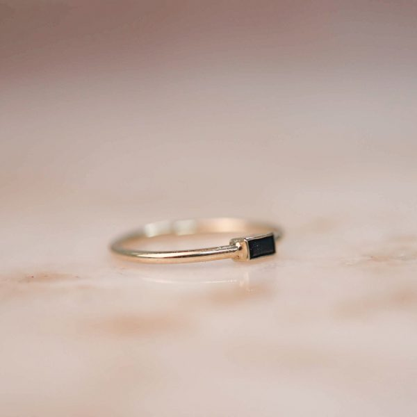 14k-gold-Black-Zirkonia-Baguette-Ring 3