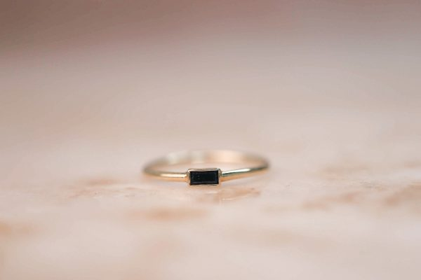 14k-gold-Black-Zirkonia-Baguette-Ring