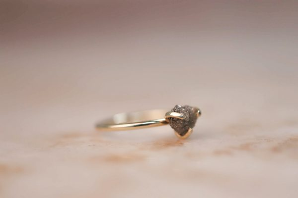 14k-gold-Raw-Diamond-Claw-ring.3