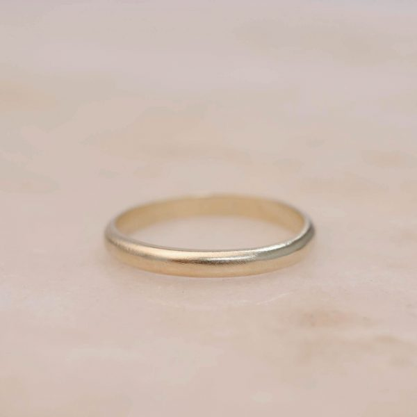 3 mm Yellow Gold Half Rounded Men's Band in Shiny Satin Finish from €455