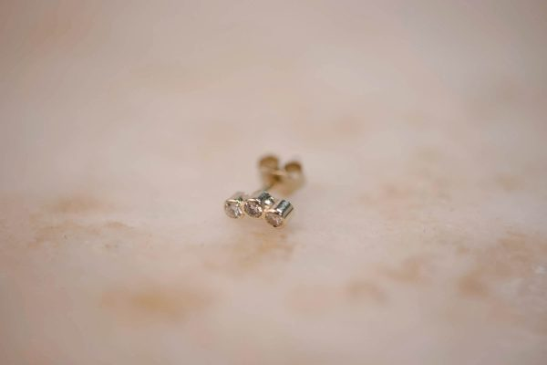 Bow Bar Earring Triple Moissanite - 14k Gold 2