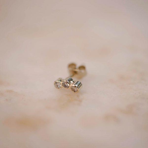 Bow Bar Earring Triple Moissanite - 14k Gold 2