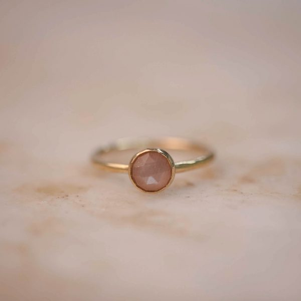 Ring with Peach Moonstone or Labradorite 6 mm - Brass & Silver