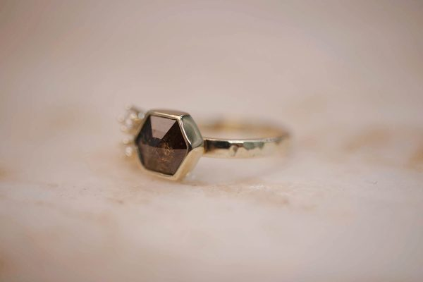 Hammered Ring with Rustic Brown Hexagon Diamond & Diamond Accents – 14k Gold (1)