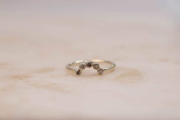 Curve Ring with Brilliant Cut Rustic Diamonds - 14k Gold