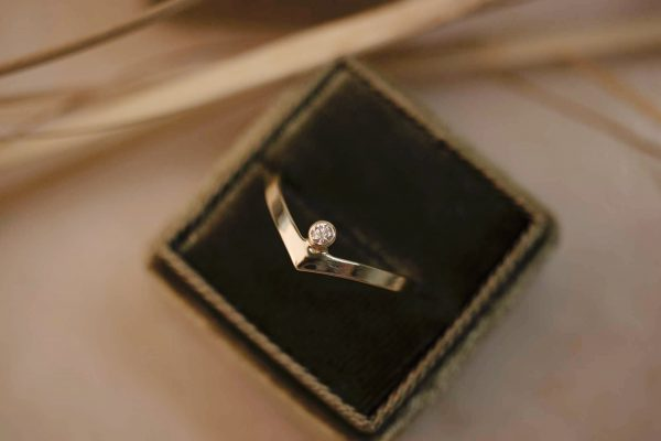 Contour Diamond Ring - 14k Gold - sfeer