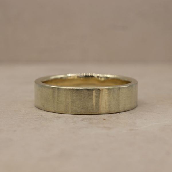 5 mm Vertically Hammered Ring